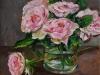 Roze rozen in glas vaasje, maat 20 x 20 cm te koop