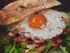 olieverf-Hard-broodje-ei-en-bacon te koop.